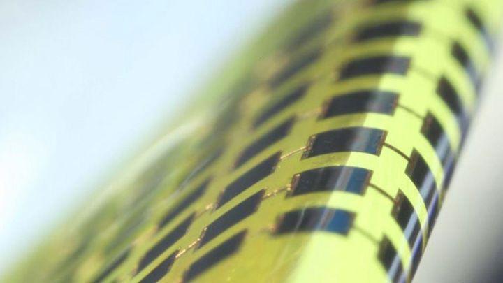 Sản xuất thành công pin mặt trời mỏng hơn 100 lần so với độ dày của sợi tóc